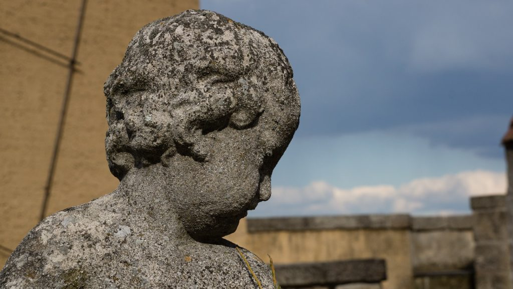 statue-1167896_1280